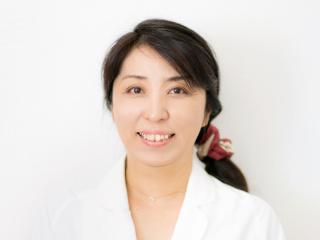 大阪でAga発毛育毛薄毛対策サロンのセンター長で看護師の鮫島由美子