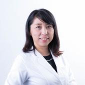 大阪のスーパースカルプ旭千林店のセンター長で看護師の鮫島由美子